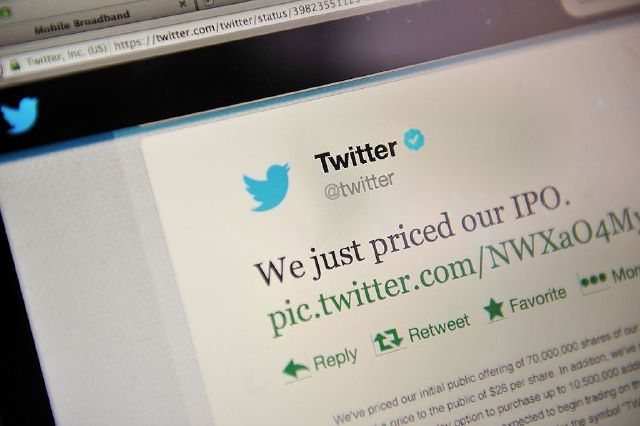 LONDON, ENGLAND - NOVEMBER 07: In this photo illustration, an online communication from Twitter is displayed on a computer screen announcing the company's initial public offering and debut on the New York Stock Exchange on November 7, 2013, in London, England. Twitter went public on the NYSE opening at USD 26 per share, valuing the company's worth at an estimated USD 18 billion. (Photo by Bethany Clarke/Getty Images)
